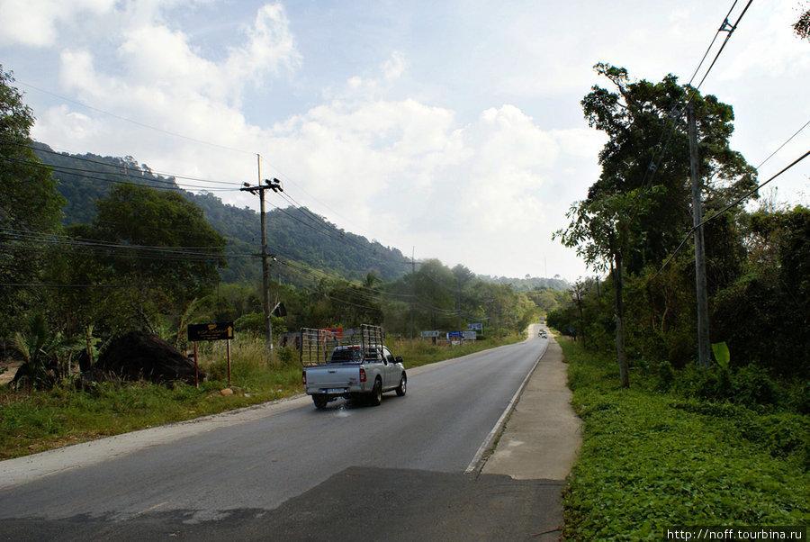 Ко Чанг. Дорога вдоль побережья.