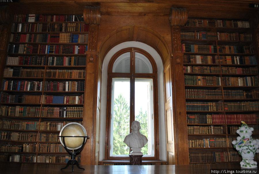 Ни один объектив не способен охватить колосальные размеры этой библиотеки.
