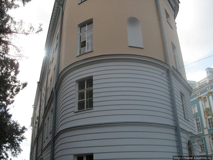 Лицейский корпус в Царском Селе, где в 1811 — 1817 гг. становился гений Пушкина