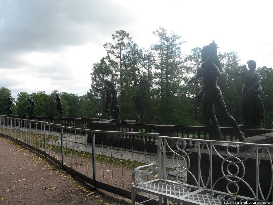 Екатерининский парк. Статуи античных героев