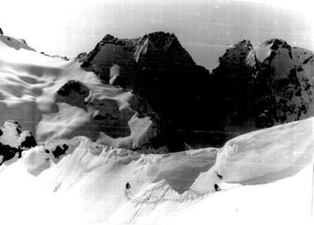 Перевал Нахар в мае