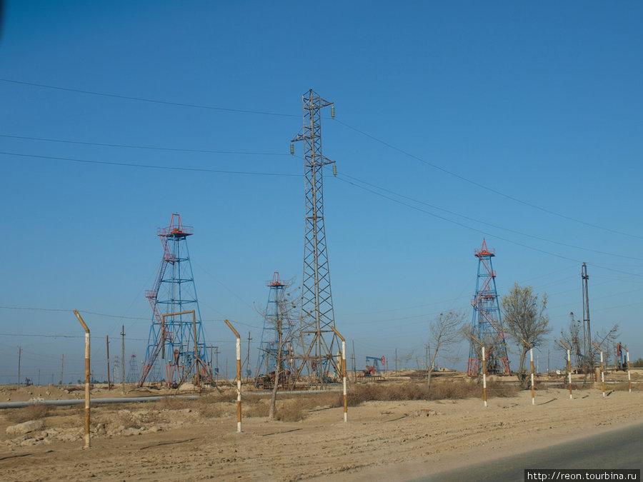 Типичный индустриальный пейзаж Апшерона