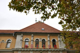 А в парке еще один музей — истории курорта, с богатейшей коллекцией экспонатов и этнографических артефактов.