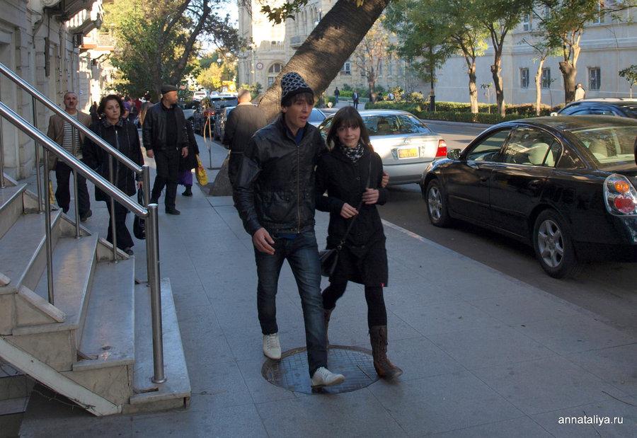 Бакинская молодежь одевается вполне по-европейски