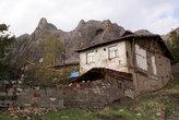 Крепость и старый дом в Токате