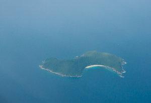 Вот такие райские острова мне предстояло посетить. Но судьба распорядилась иначе. Я их посетил конечно, но немного не так, как хотелось бы