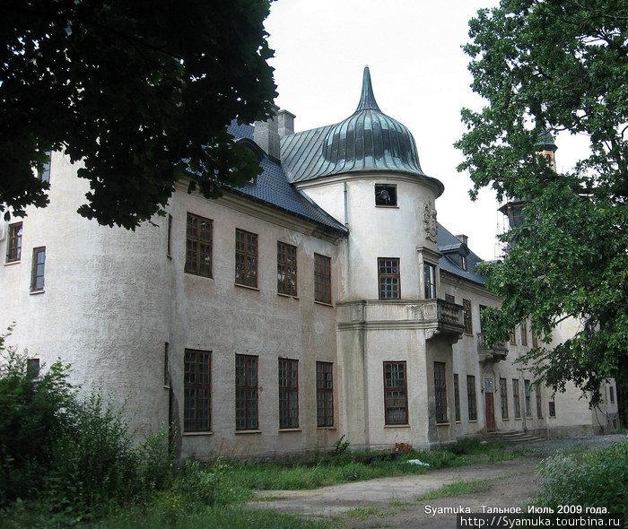 Замок Шуваловых — Охотничий домик.