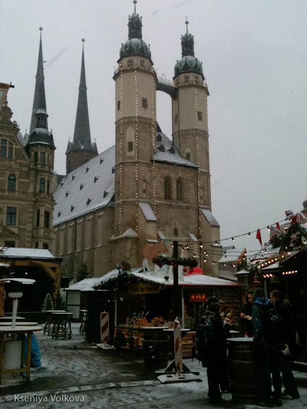 Рождественская ярмарка в Халле Галле, Германия