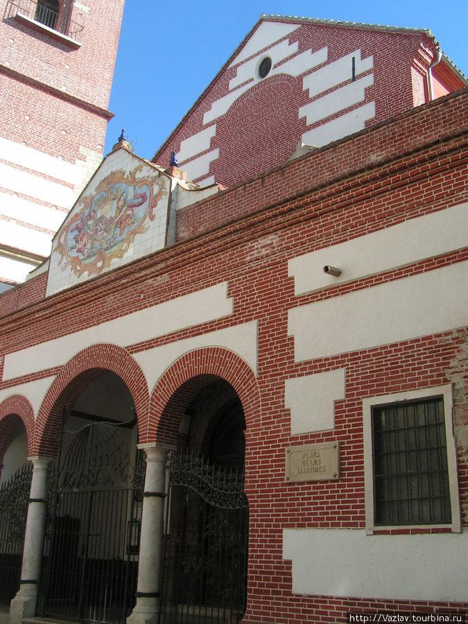 Фрагмент фасада