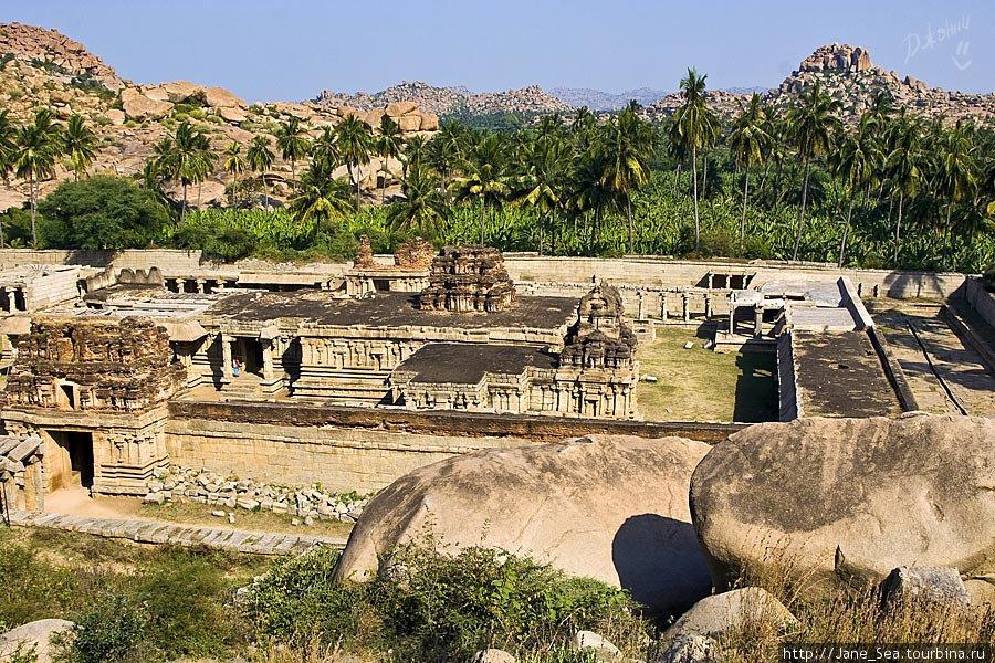 храм Ачьюта Райи с Матанга Хилл