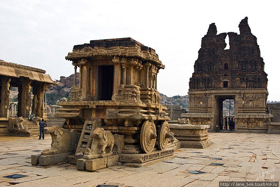храм Виджайя Виталы — каменная колесница