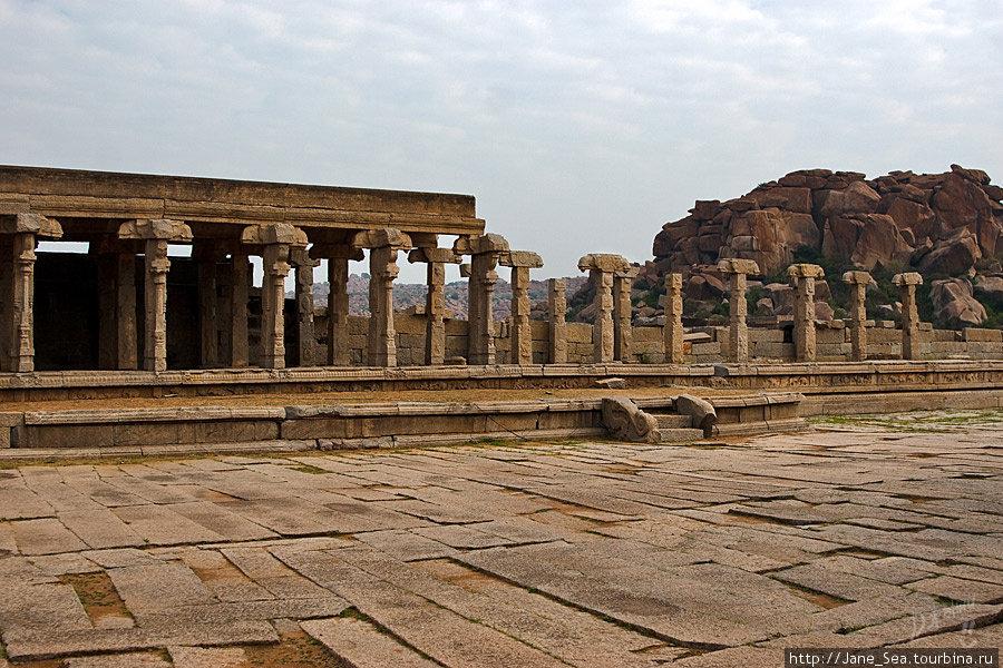 храм Хазара Рам (Тысячи Рам)