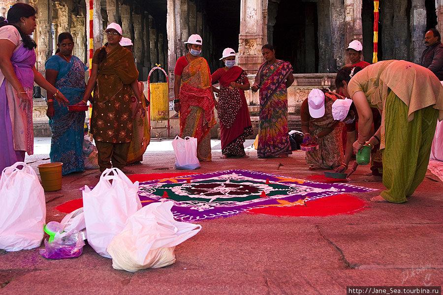 в храме Вирупакши — ранголи