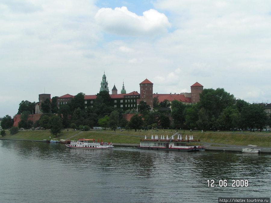 Вид на Вавельский замок с берега Вислы
