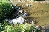 вода падает уступами