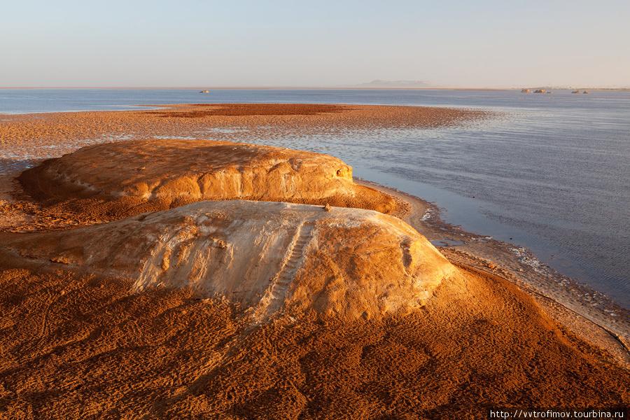 Солёное озеро Zaytun
