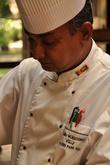Подобные занятия маэстро проводил не однажды: в отелях Шри-Ланки кухне уделяют особой внимание, ведь это отличный способ представить и местные традиции, и историю страны.