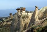 НА окраине Юргюпа тоже есть характерные для всей Каппадокии пейзажи