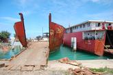 Старые корабли в порту