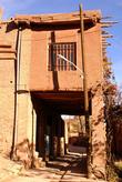 Двухэтажный дом на сваях