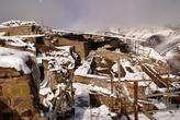 Руины замка Аламут под снегом