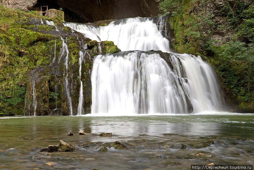 Водопад Сурс де Лиссон