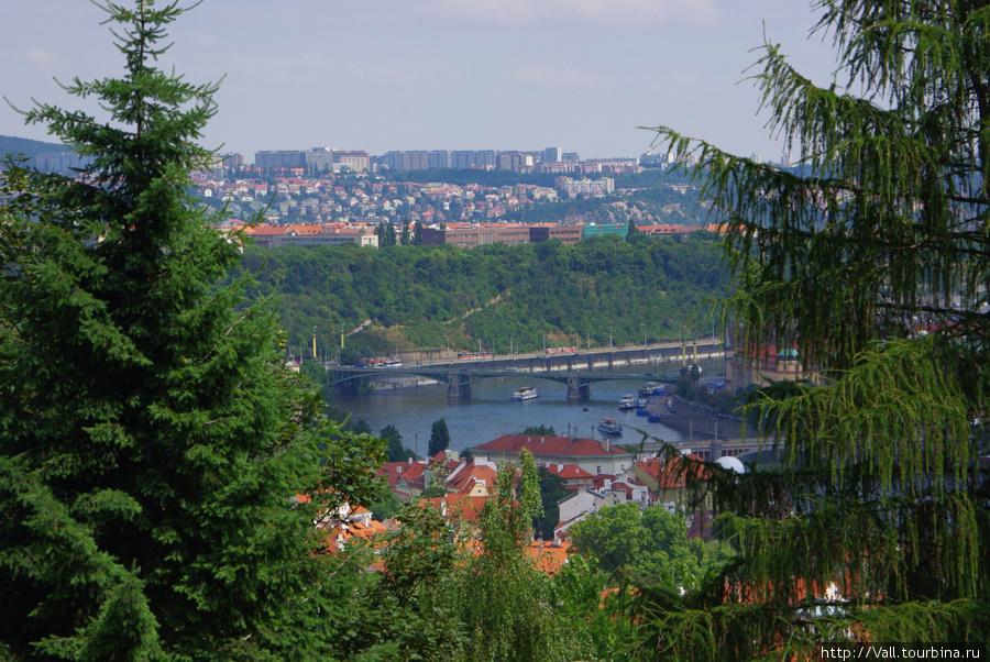 Вид с террасы ресторана Nebozizek