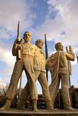 Памятник героям в Тебризе