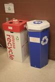 Картонные мусорки — выкидывается не только содержимое, но и мусорка.