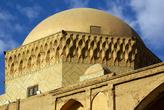 Купол мечети в тюрьме Александра
