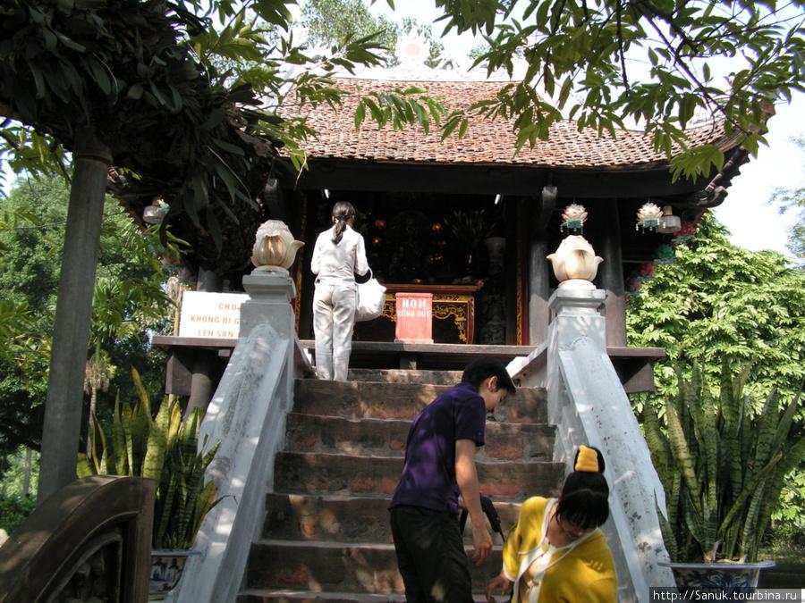 Ханой. Пагода на одном столбе / One pillar pagoda, XI век