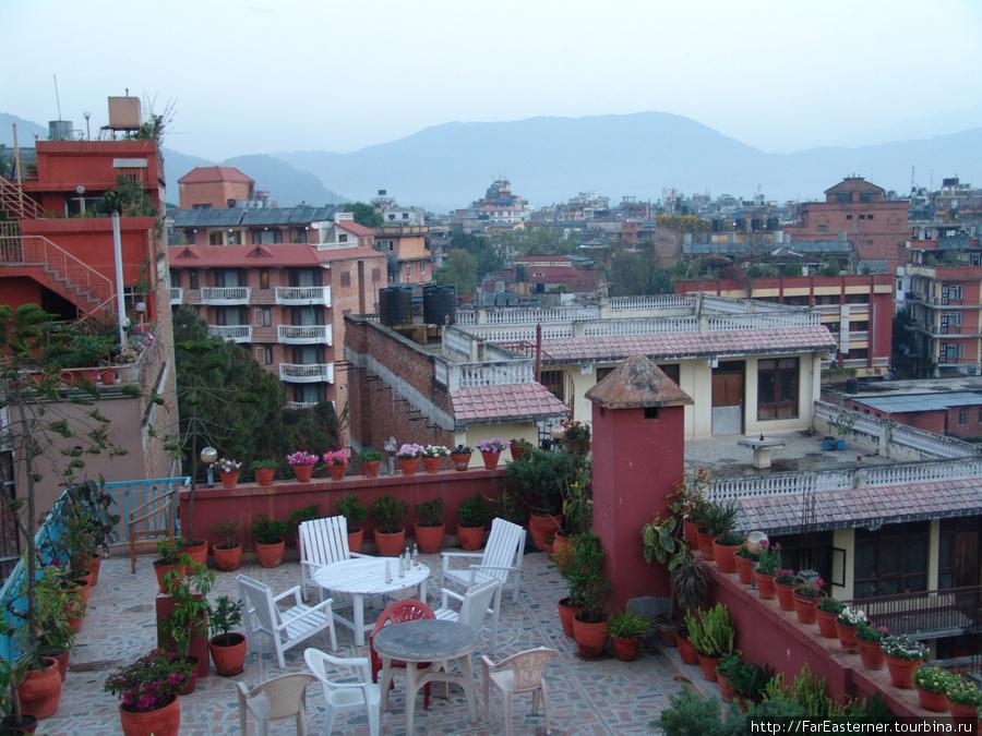 Вид на Тамель с террасы отеля