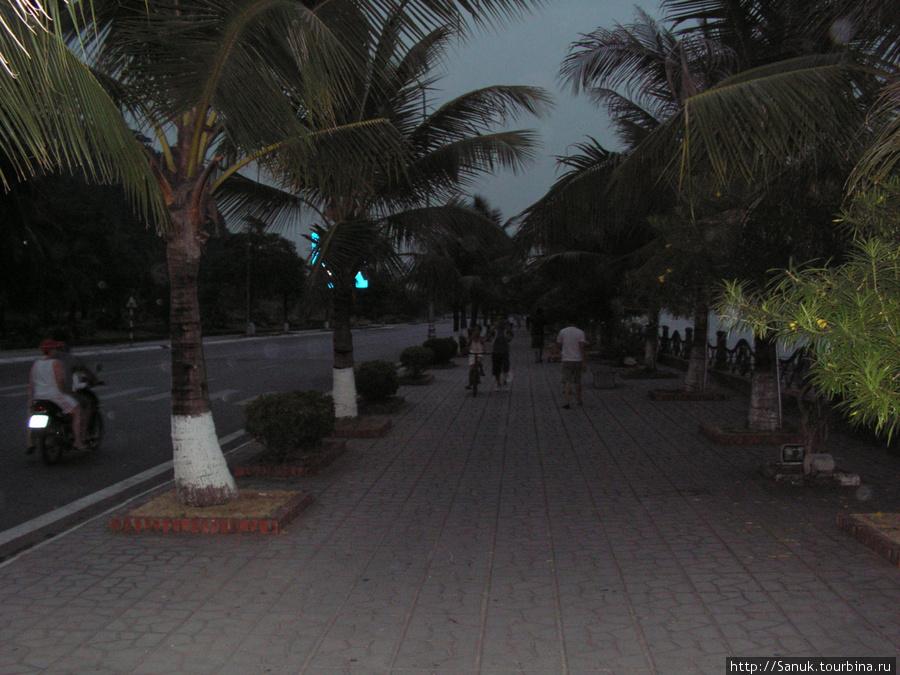 Halong City. Темнеет очень быстро