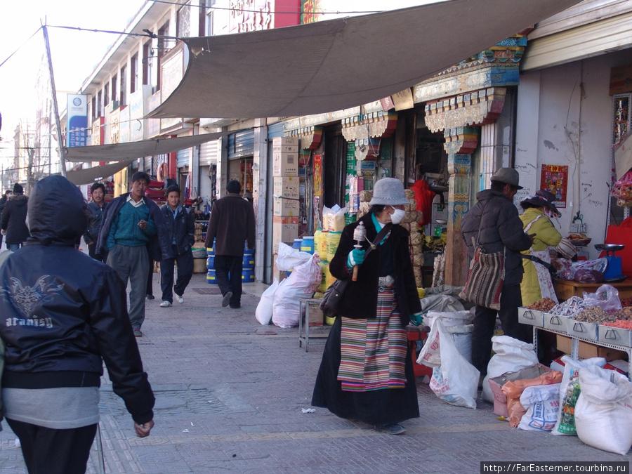 На севере города лавки держат в основном тибетцы