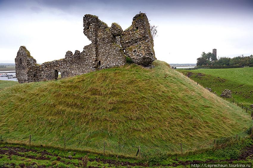 Замок Клонмакнойс