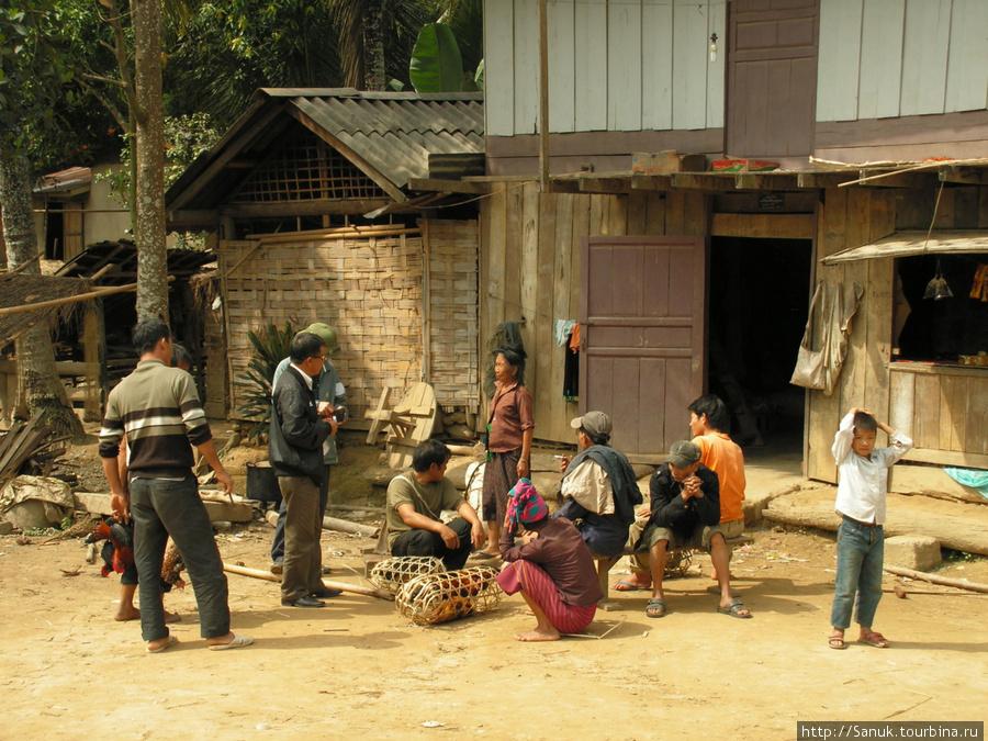 Лаос. Горная деревня