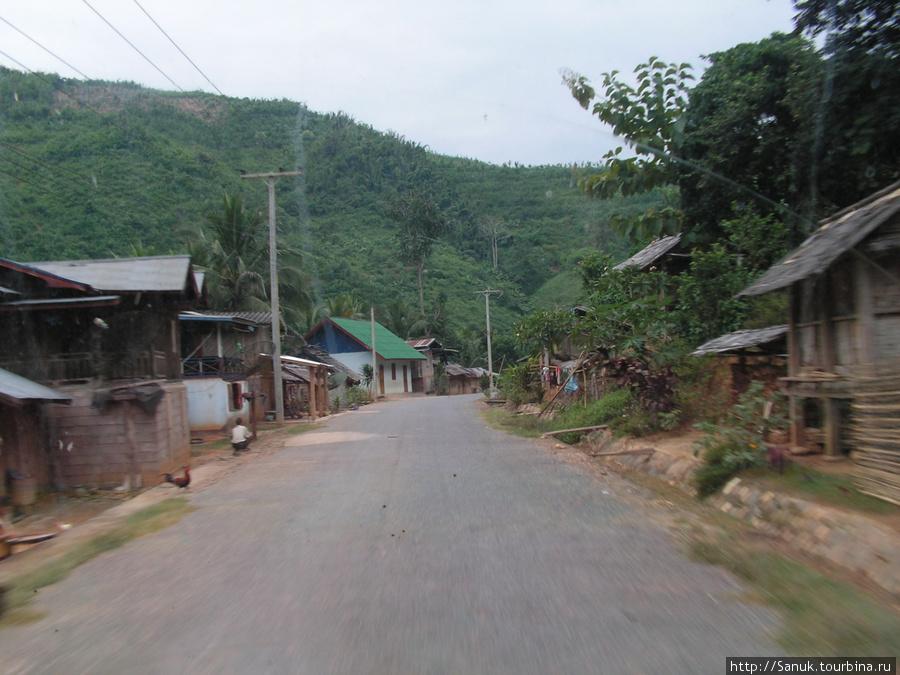 Лаос. Дорога в Oudomxay. Вдоль дороги — Real Laos