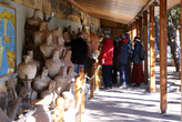 Туристы в Музее подводной археологии в Бодруме