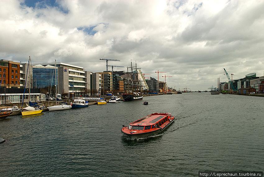 Вид на новые доки и порт