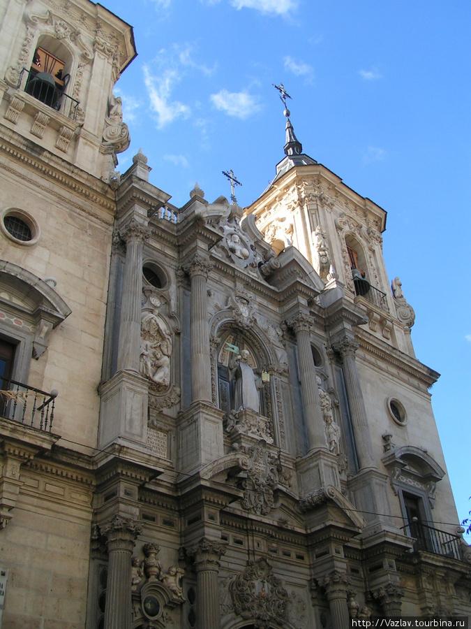 Фасад церкви Сан-Хуан