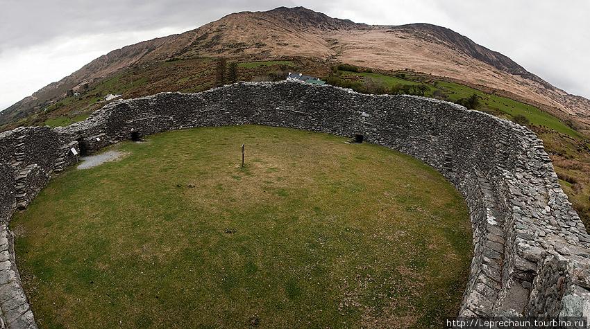 Каменный форт Стэйг
