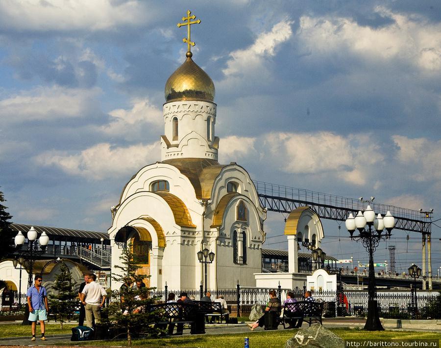 Храм во имя иконы Божией матери Смоленская Одигитрия Челябинск, Привокзальная площадь