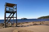 Смотровая вышка на пляже Изтузу