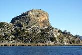 Акрополь Кауноса находится на скале над рекой Дальян