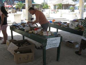 Распродажа БУ книг и сбор средств на нужды местной библиотеки
