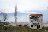 На берегу острова Ешилада