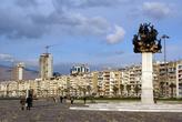 Памятник на набережной Измира