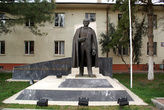 Памятник Ататюрку на улице Ататюрка в Изнике
