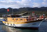 Прогулочное судно в Учагызе