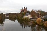 В современной Германии насчитывается около двух миллионов фахверковых зданий. «Фахверковая улица» охватывает более чем 2,6 тыс. километров и проходит более чем через 100 городов в разных федеральных землях. В том числе в земле Гессен по городу Лимбург на Лане.